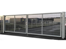 Auction: double wing gate